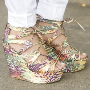 BNIB SHOEMINT ERICA LACE UP TRIBAL WEDGES 7